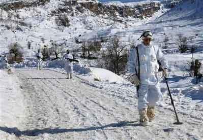 资料图:土耳其士兵在土伊边境作业