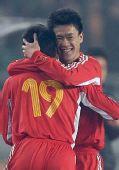 图文:[四强赛]国足3-1朝鲜 王栋反超比分
