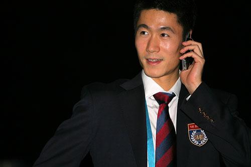 图文:世乒赛团体赛盛大开幕 王励勤在开幕式上