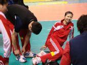 图文:中国女排战前训练 周苏红看起来气色不错