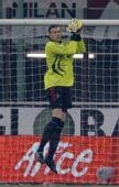 图文:[意甲]米兰2-1巴勒莫 卡拉奇摘球