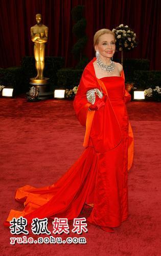 图:80奥斯卡红毯 安妮-杰弗里光彩耀人