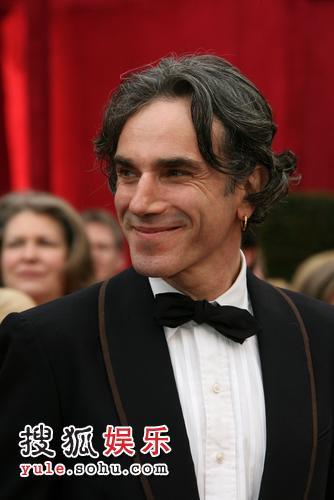 图:80奥斯卡红毯 最佳男主角提名刘易斯
