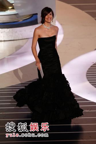 图:80奥斯卡颁奖礼 为最佳服装设计奖颁奖