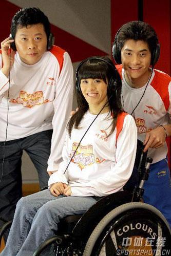 吉新鹏、桑兰、邢傲伟在录音棚(自左至右)