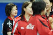 图文:日本女团3-2击败韩国 福原爱比赛后落泪
