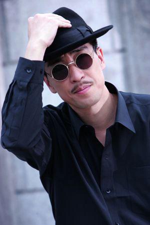 ...追击令》中表现不俗的王千源出演《天眼》男一号他饰演的肖...