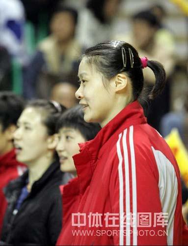 图文:中国女排3-2险胜古巴 赵蕊蕊被换下场