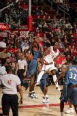 图文:[NBA]火箭VS奇才 杰克逊传球