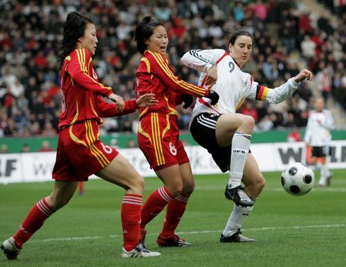 图文:[女足]中国0-2德国 普林茨势不可挡