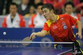 图文:中国男乒3-0战胜中国香港 网前小心回挡