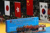 图文:世乒赛赛后颁奖典礼 众虎将唱国歌