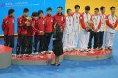 图文:世乒赛赛后颁奖典礼 领奖台颁奖