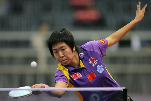 图文:世乒赛团体赛最佳回球动作 展翅欲飞翔