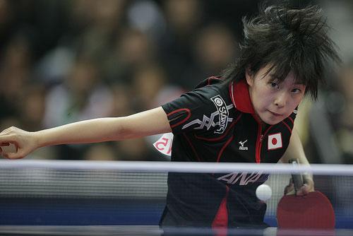 图文:世乒赛团体赛最佳回球动作 石川佳纯飞舞