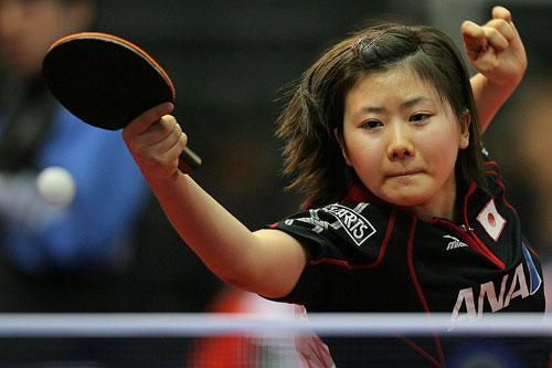 图文:世乒赛团体赛最佳回球动作 福原爱可爱