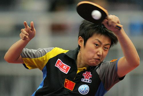 图文:世乒赛团体赛最佳回球动作 郭跃凶神恶煞