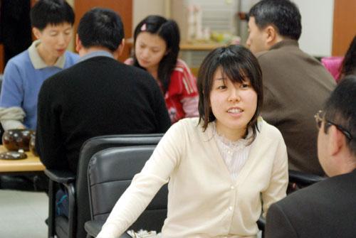 图文:正官庄杯范蔚菁完胜青木 俞斌芮乃伟研究