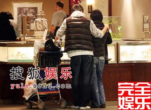 组图:偷拍也甜蜜 邓超孙俪狗仔照片大集合-搜狐娱乐