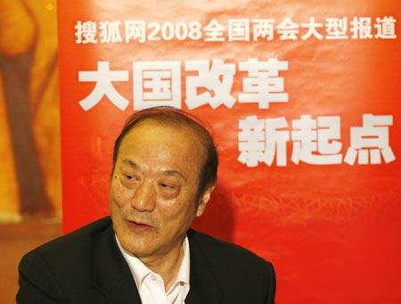 第十一届全国政协委员、民革中央常务副主席、著名经济学家、上海市社会科学院部门经济研究所所长厉无畏
