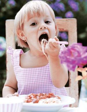 1岁宝宝食谱:早餐、午餐、晚餐该吃些什么