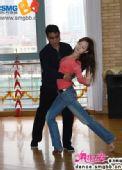 图:《舞林大会2》徐根宝与舞伴认真练习中 - 1