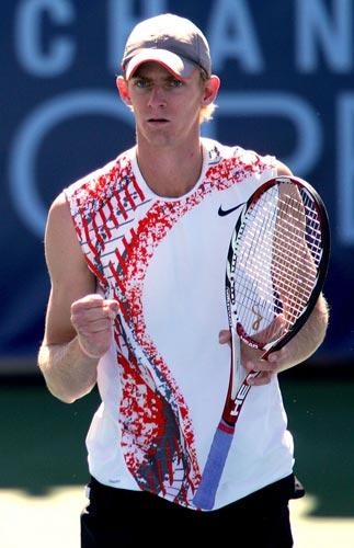 图文:网球频道赛1/4决赛 安德森庆祝比赛胜利