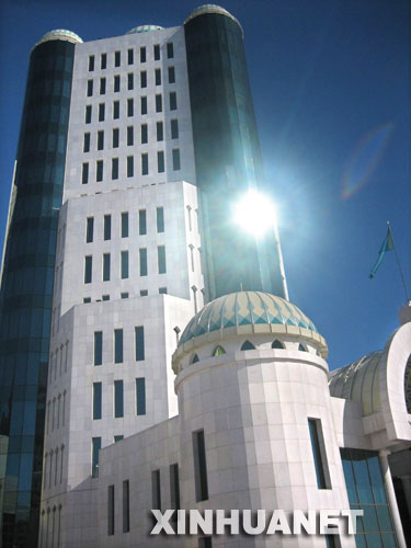 图文:哈萨克斯坦首都阿斯塔纳新建的建筑