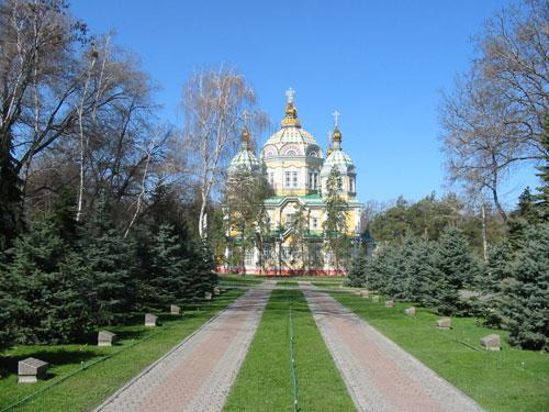 苹果之城阿拉木图城市名片--津科夫大教堂