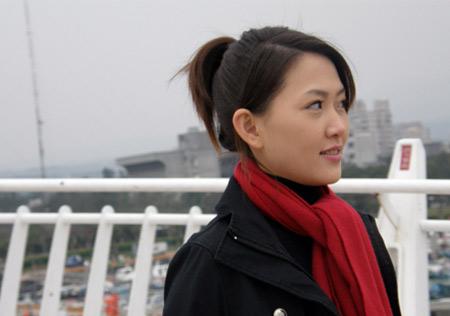 图文:台北九球美女张舒涵 美女斜眼冷对