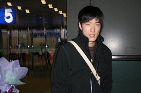 刘翔低调面对镜头