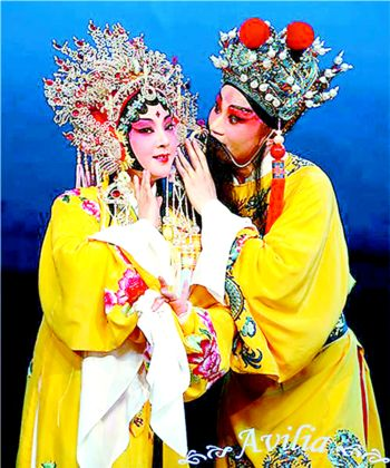 魏春荣在《长生殿》中扮演的杨贵妃