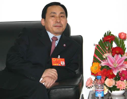 全国人大代表、安庆市委书记朱读稳做客人民网
