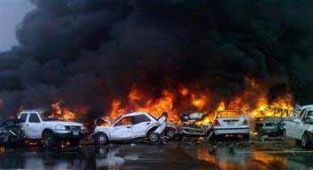 3月11日,阿联酋200多辆汽车连环相撞,造成重大人员伤亡。