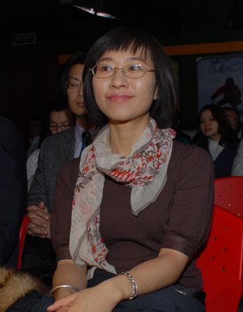 21世纪经济报道马腾_视频 21世纪经济报道 主编刘洲伟致辞