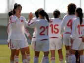 图文:[阿杯]女足6-5葡萄牙 球员庆祝胜利