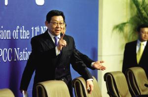 商务部部长陈德铭参加新闻发布会。本报记者 张斌 摄