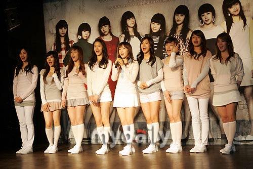 组图:少女时代写真集公开拍摄现场 搜狐娱乐