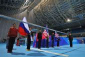 图文:好运北京水球公开赛在即 升旗手进行演练