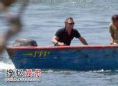 组图:007新作海上拍摄 克雷格开游艇劲酷有型