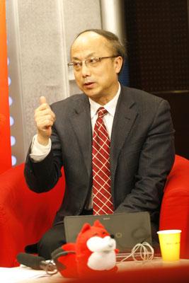 南京大学教授 张鸿雁