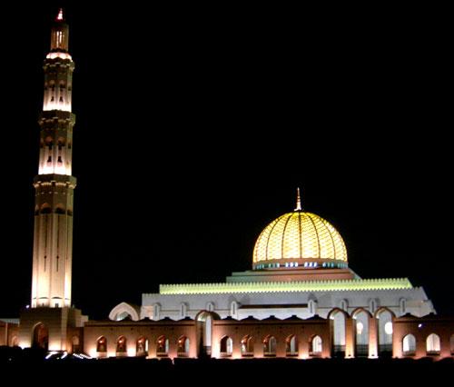 夜幕中的大清真寺