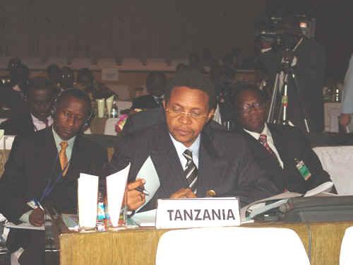 坦桑尼亚总统贾卡亚•姆里绍•基奎特   (照片来源:坦桑尼亚官方网站)