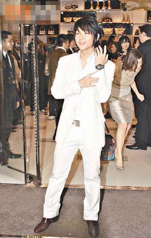 李准基像个白马王子