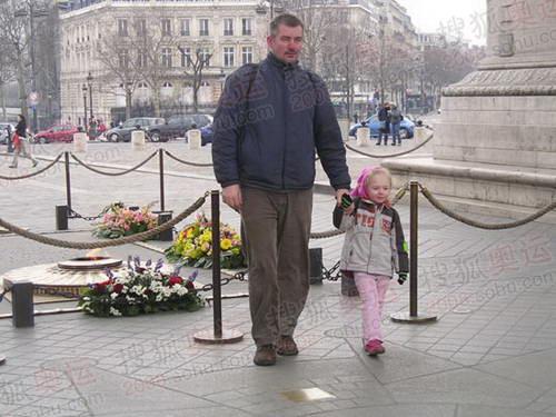 图文:巴黎风光 游客