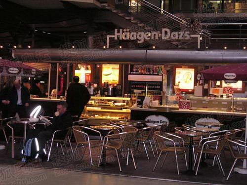图文:巴黎风光 火车站冷饮店