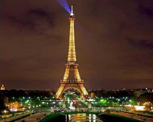 图文:巴黎城市名片 埃菲尔铁塔