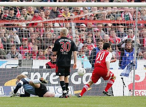 图文:科特布斯2-0拜仁 耶利奇进球瞬间