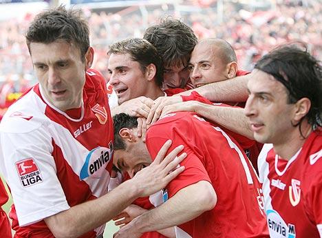 图文:科特布斯2-0拜仁 科特布斯庆祝进球