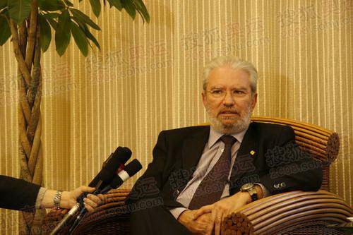 图文:希腊奥林匹亚市长访京 搜狐采访现场图13